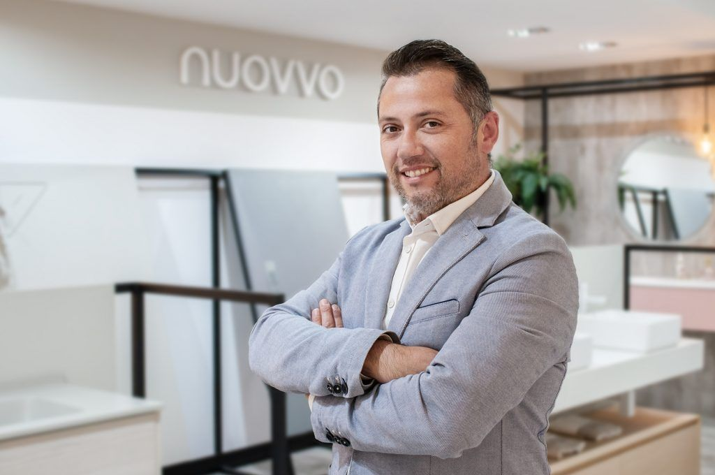 director-comercial-nuovvo